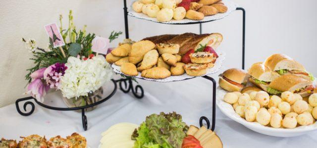 Jak připravit zdravé občerstvení pro návštěvu?