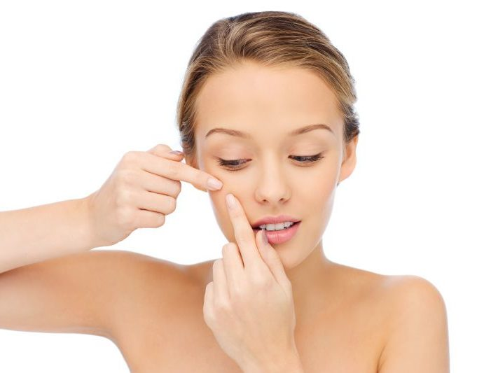 Péče o pleť s akné není složitá. Musíte jen dodržet tyto zásady…