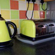 Jak bezpečně zacházet s domácími elektrospotřebiči?